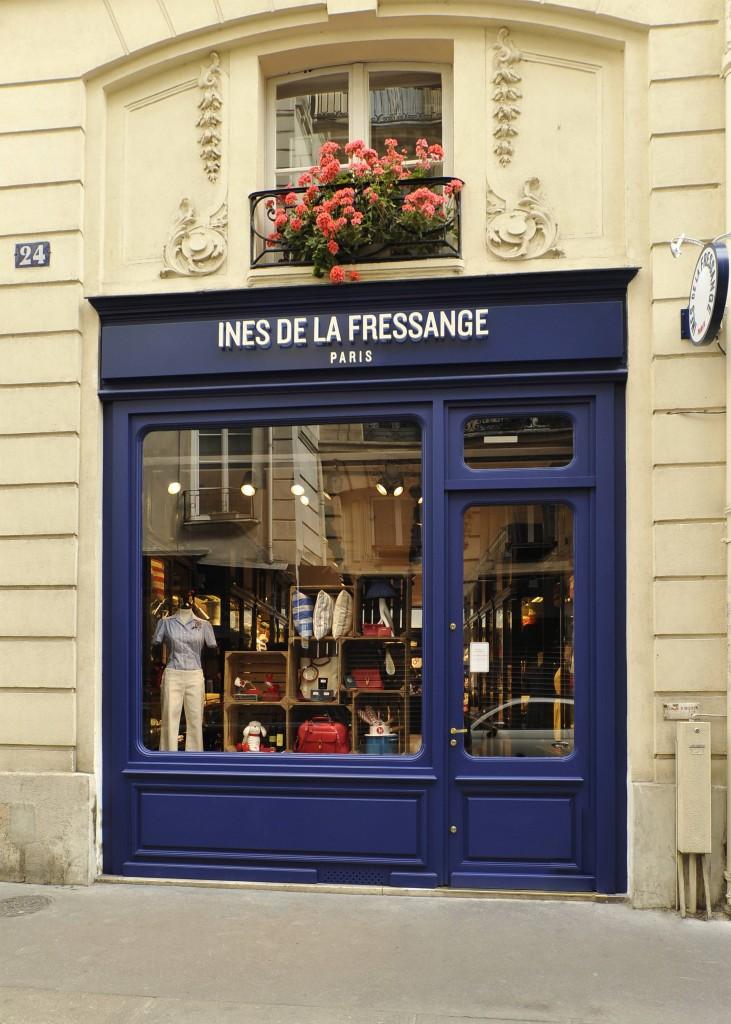 la boutique di ines de la fressange a parigi moda e lifestyle. Black Bedroom Furniture Sets. Home Design Ideas