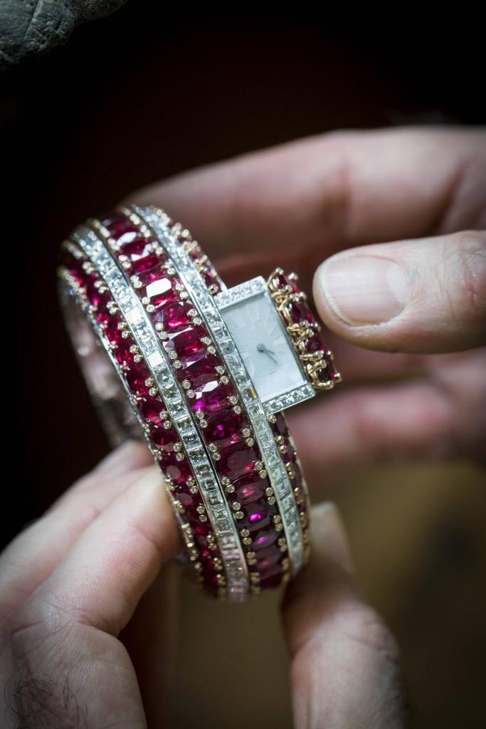 SIHH2016-Van Cleef & Arpels -Alta gioielleria-Bracelet Montre RubisSecret- Bracciale orologio in rubini e diamanti - Savoir faire