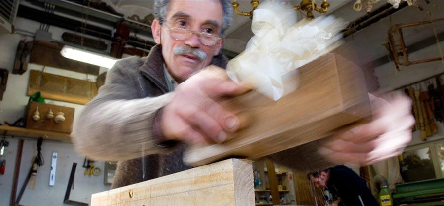 Riccardo-Barthel-arredamento-lusso-firenze-artigiani-lavoro-02