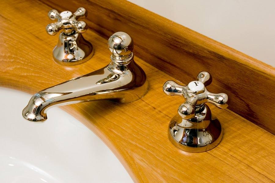 Riccardo-Barthel-arredamento-lusso-firenze-yachts-dettaglio-bagno-04