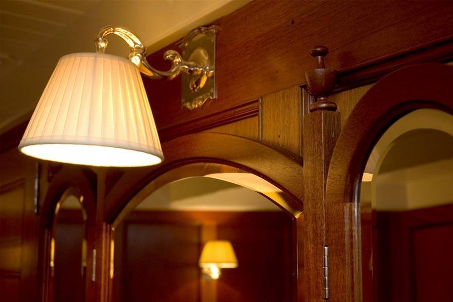 Riccardo-Barthel-arredamento-lusso-firenze-yachts-lulworth-dettaglio-luce