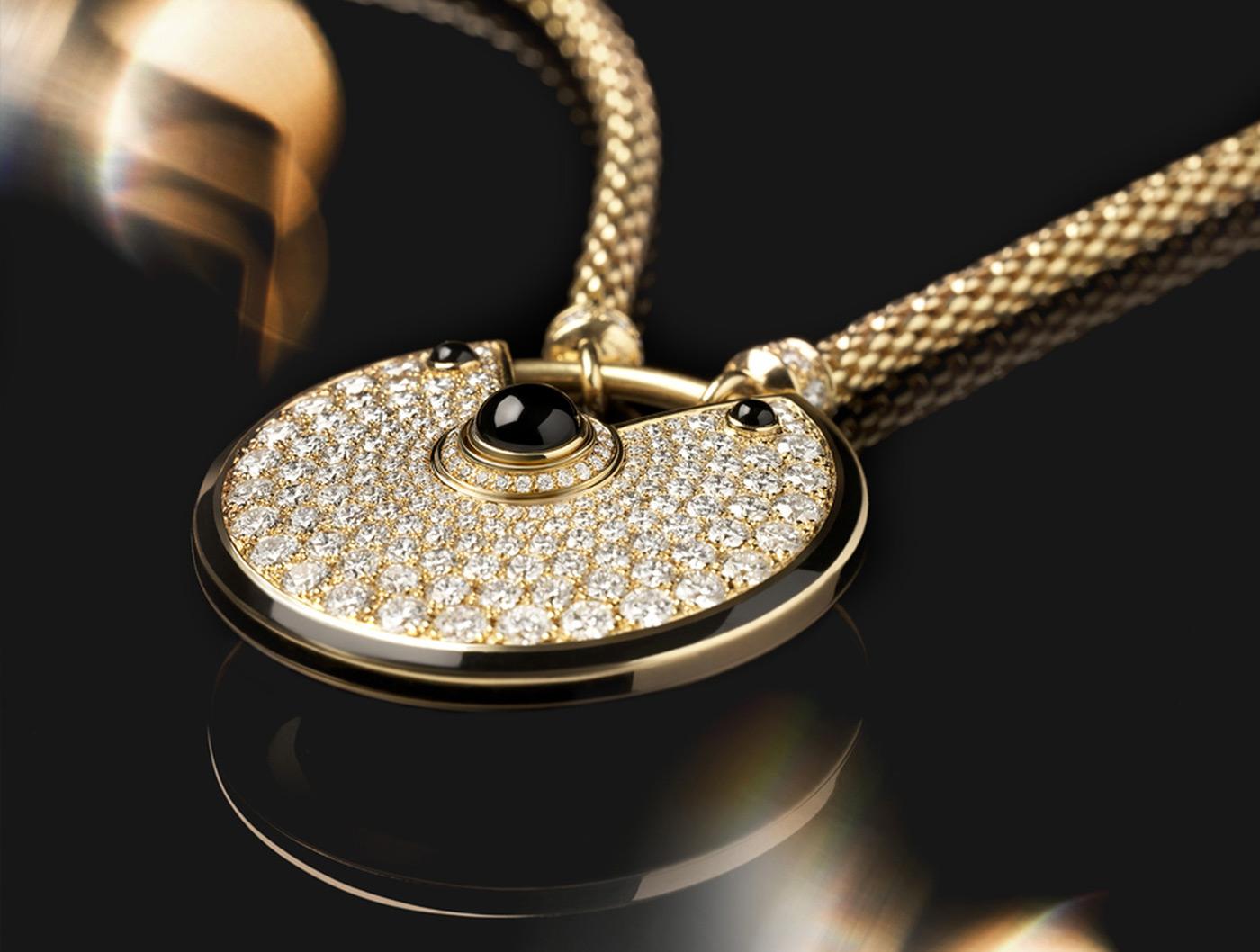 Amulette de Cartier Pendant, Medium Model Yellow&Black gold, diamonds, chain in yellow gold alta gioielleria gioielli di lusso