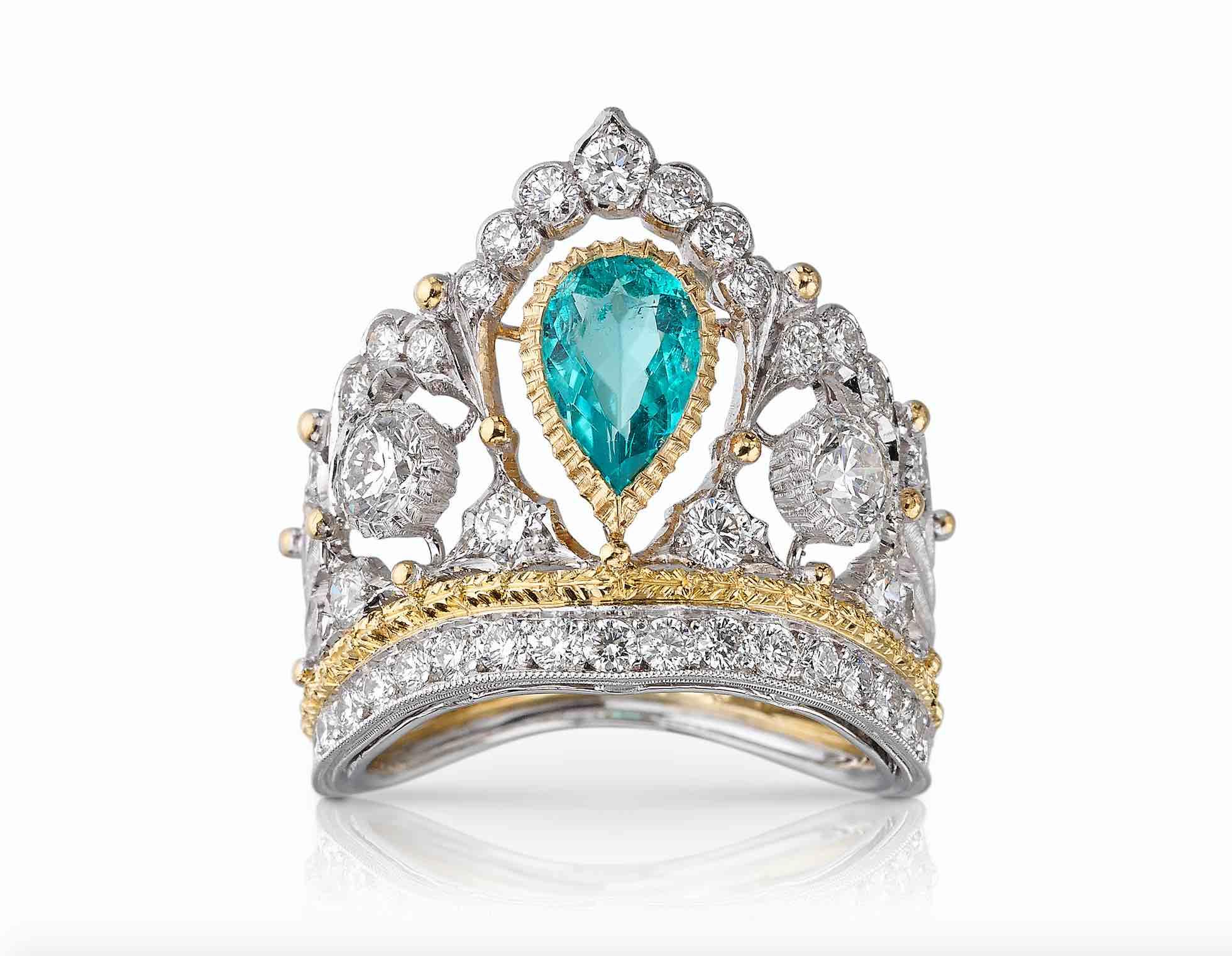 Buccellati, alta gioielleria, Anello a forma di corona in oro bianco traforato a ghirlanda