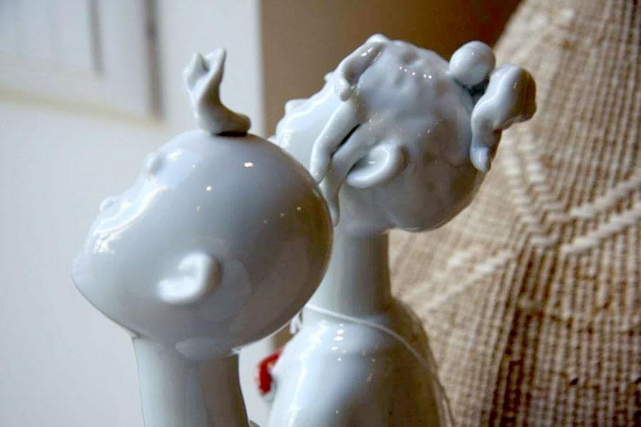 complementi d'arredo casa marbrisa - dettaglio su statuine in ceramica