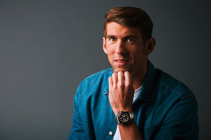 Michael Phelps Rio - Omega intervista il nuotatore in posa sorridente con omega al polso