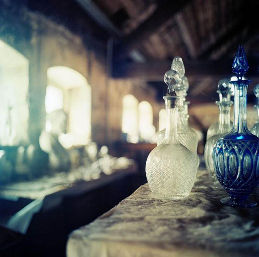 Crystal Saint Louis - bottiglie con tappo di diverse lavorazioni e colore