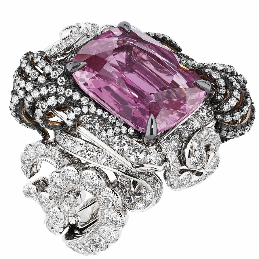 Victoire de Castellane per Dior - APPARTEMENTS DE MESDAMES MOULURE RING, 750_1000 white and pink gold, darkened silver, diamonds and pink sapphire