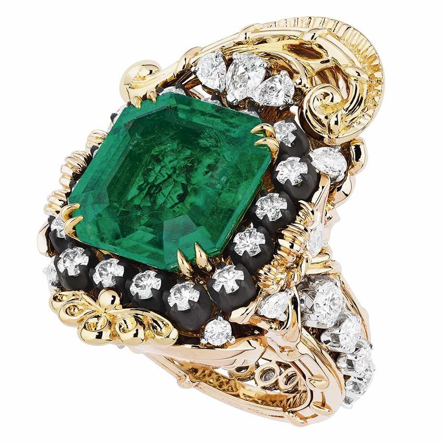 Victoire de Castellane per Dior - APPARTEMENTS DE MESDAMES - ARABESQUE RING, 750_1000 pink and yellow gold, 950_1000 platinum, darkened silver, diamonds and emerald