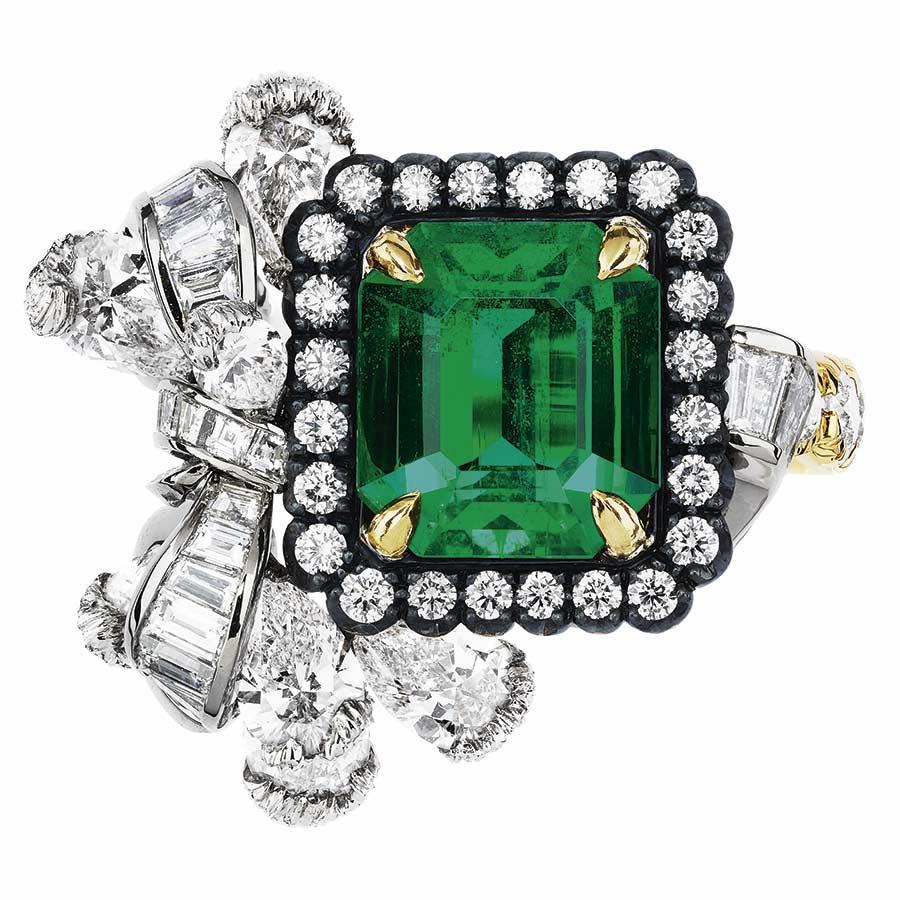 Victoire de Castellane per Dior - ACANTHE - EMERAUDE RING, 750_1000 white, yellow and pink gold, darkened silver, diamonds and emerald