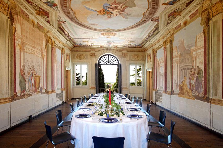dimore storiche villa dragoni, sala da pranzo con affreschi
