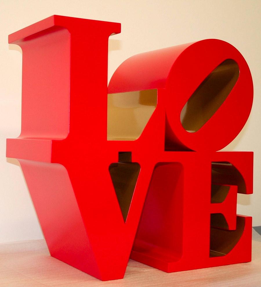 Chiostro del Bramante - scultura LOVE di Robert Indiana