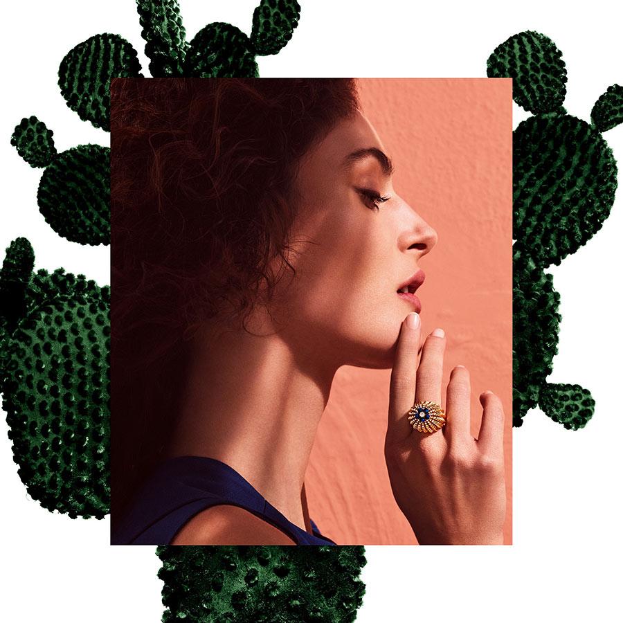 Cactus de Cartier ring, 18K yellow gold, lapis lazuli, set with 55 brilliant-cut diamonds. Credits Txema Yeste © Cartier