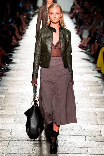 fashion week milano - modella Bottega Veneta