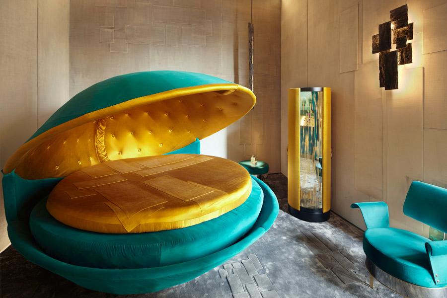 Progettazione Interni - Frammenti l'esposizione: il letto, la poltrona, le luci, l'armadio