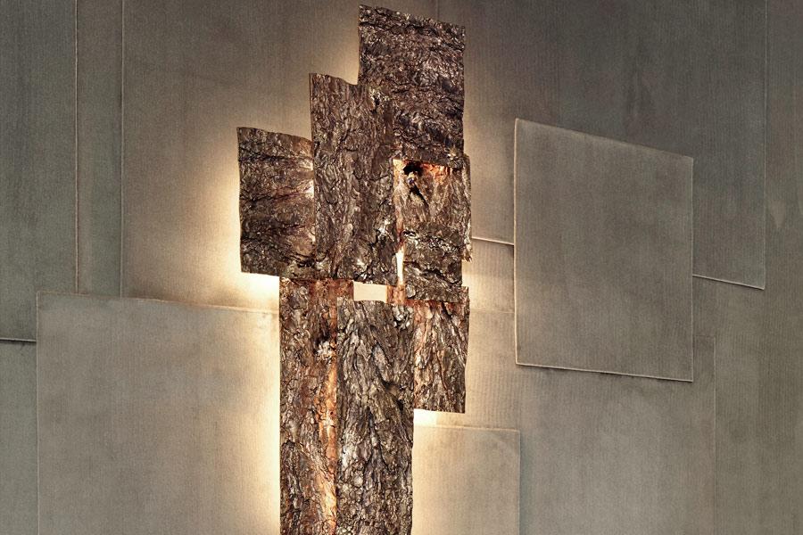Progettazione Interni - Frammenti l'esposizione: dettaglio dell'illuminazione su parete