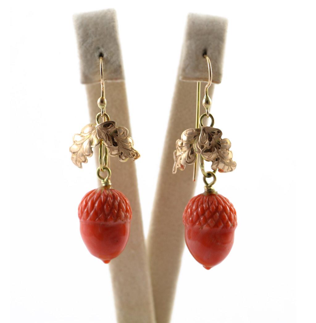 gioielli preziosi fecarotta antichità orecchini oro giallo corallo pendenti ghianda