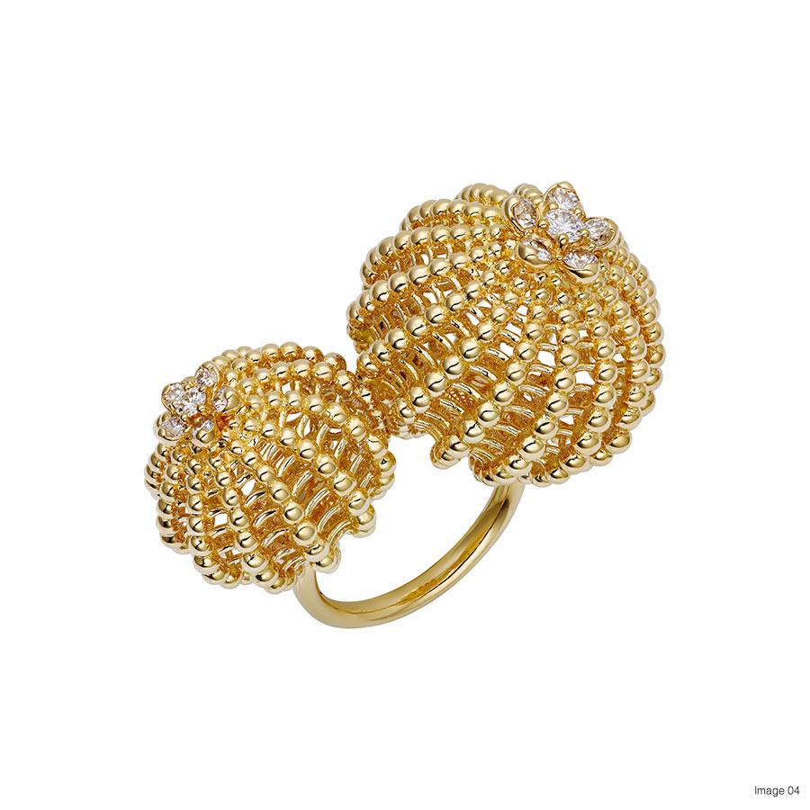 Foto 04 Cactus de Cartier ring, 18-carat yellow gold, set with 12 brilliant-cut diamonds. Credits Vincent Vulweryck © Cartier