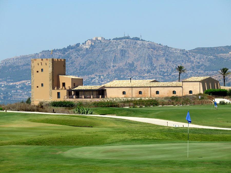 Verdura resort la struttura dai campi da golf le torri la collina