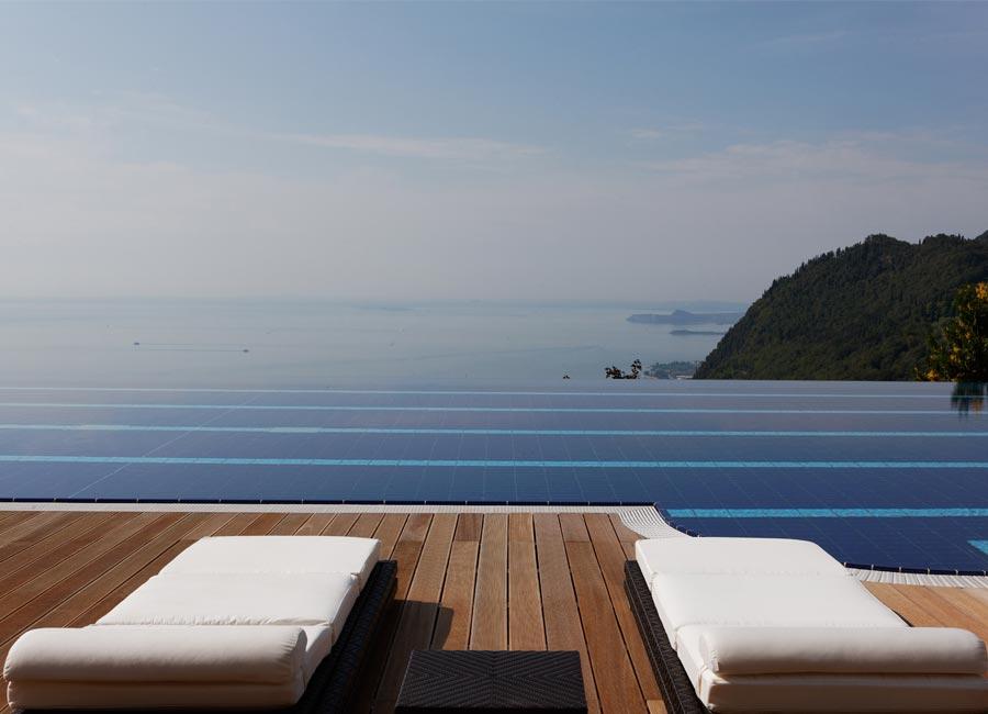 SPA Resort Lefay: dettaglio piscina vista Lago di Garda