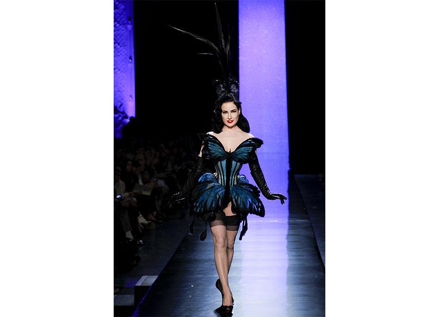 Corsetto-abito a farfalla di Jean Paul Gaultier indossato da Dita Von Teese