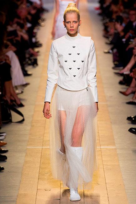 Milano Parigi - modella in total white Dior