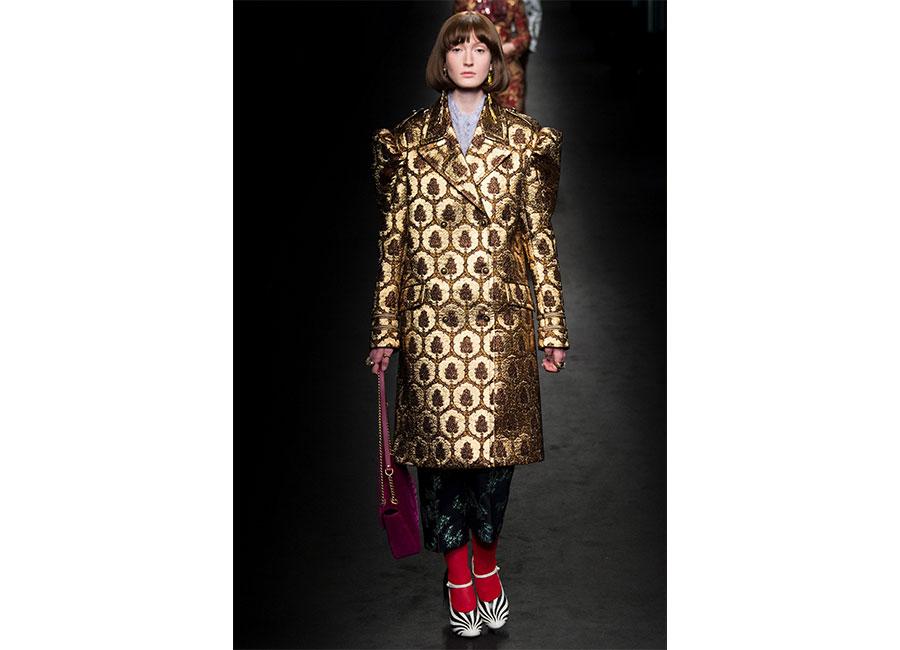 Broccato: Gucci cappotto in broccato stampa vintage con disegni geometrici ocra e marroni
