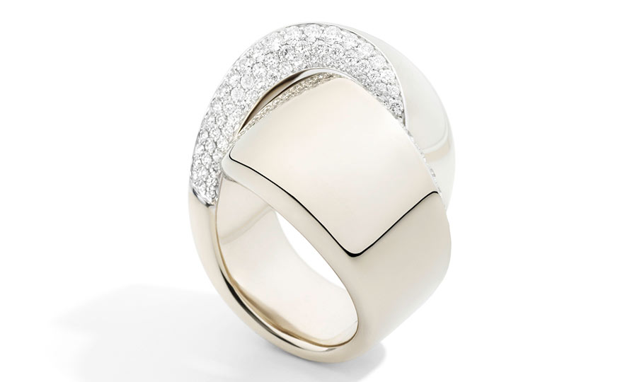 vhernier; anello ABBRACCIO in oro bianco e diamanti (demi pave)_ABBRACCIO ring in white gold and diamonds (demi pave)