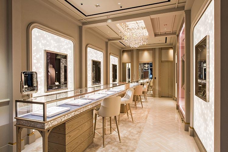 alta gioielleria nirav modi store london interno vetrine esposizione - Photo Credit: Andy Barnham
