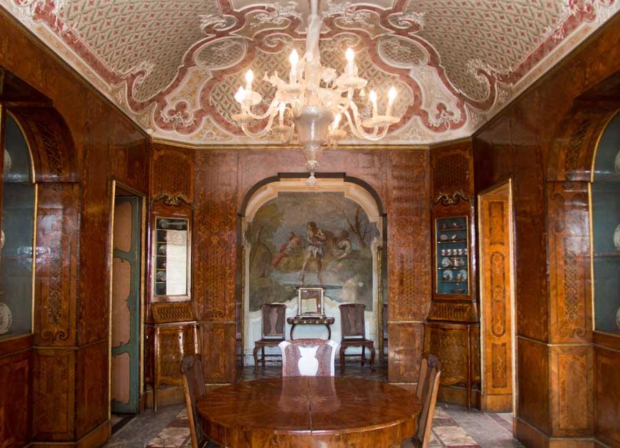 un salone di Palazzo Biscari