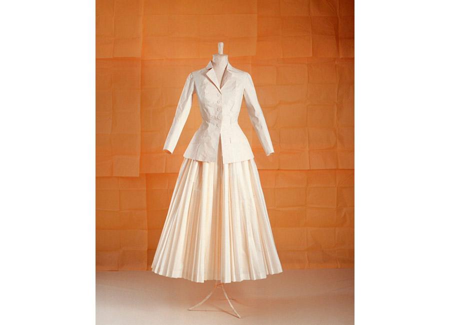 fai moda di carta - tailleur bianco dior