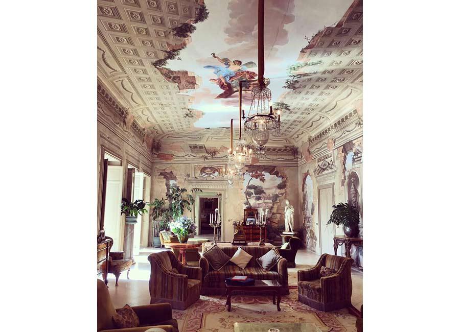 Ville di Lusso: villa tasca, interno salotto e soffitti affrescati