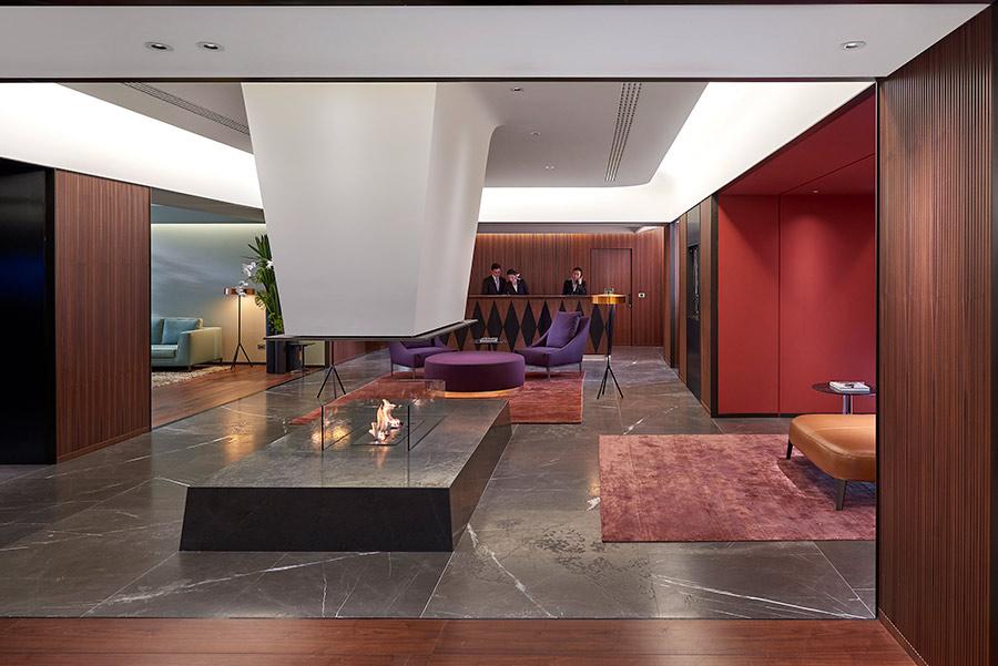 Luxury Hotel Mandarin Oriental Milan - reception con vista camino