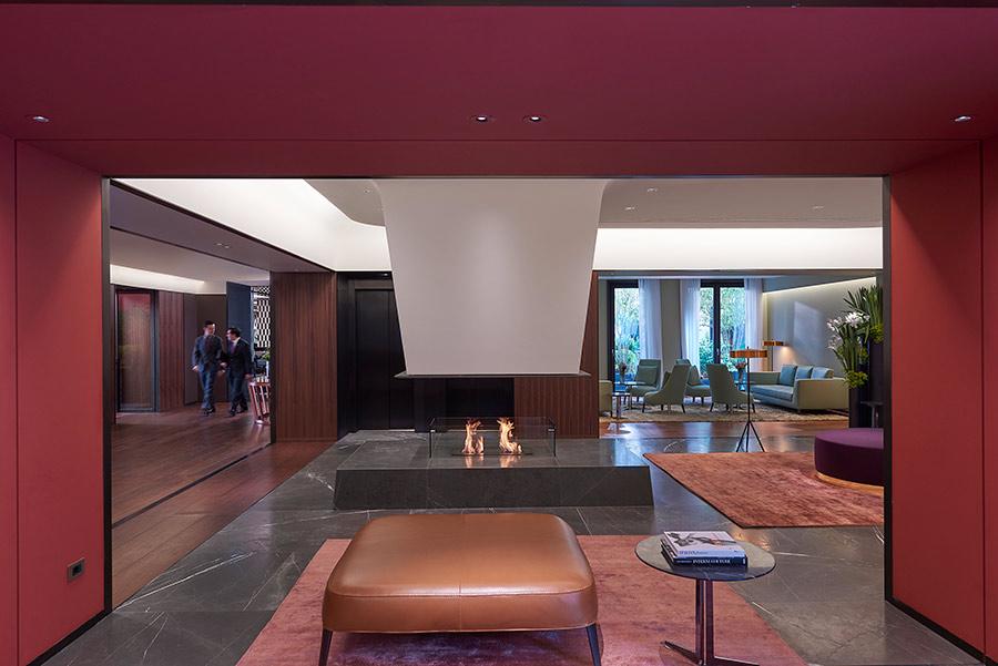 Luxury Hotel Mandarin Oriental Milan - lobby con vista camino