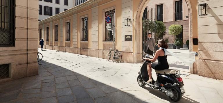 Luxury Hotel Mandarin Oriental Milan - esterno ingresso principale highlight