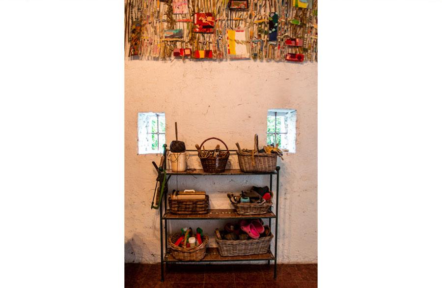 Olimpia Biasi, pittrice - particolare di quadro e casa