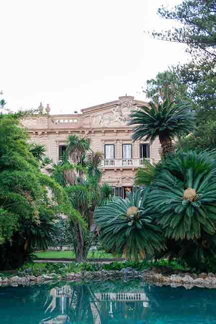 Ville di Lusso: villa tasca, vista verticale dal laghetto