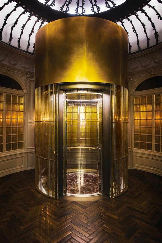 Palazzo Fendi Roma ascensore di bronzo