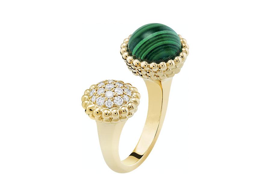 Van Cleef & Arpels - anello malachite e diamanti oro bianco