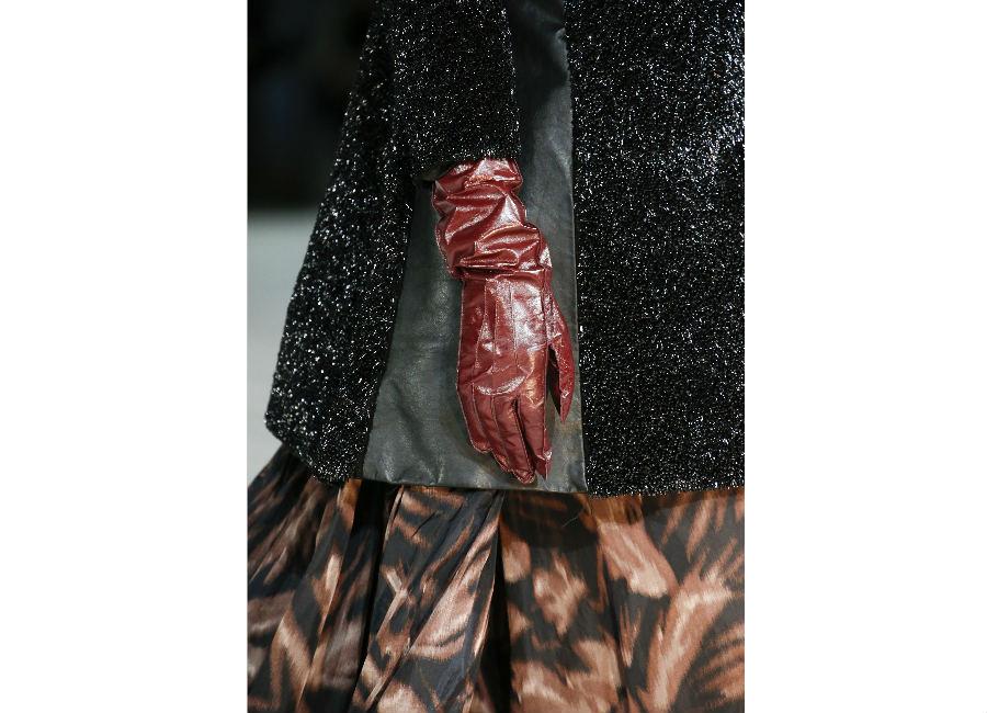 guanti-marc-jacobs-guanti-in-pelle-rossi-con-cuciture-a-vista-e-impunture