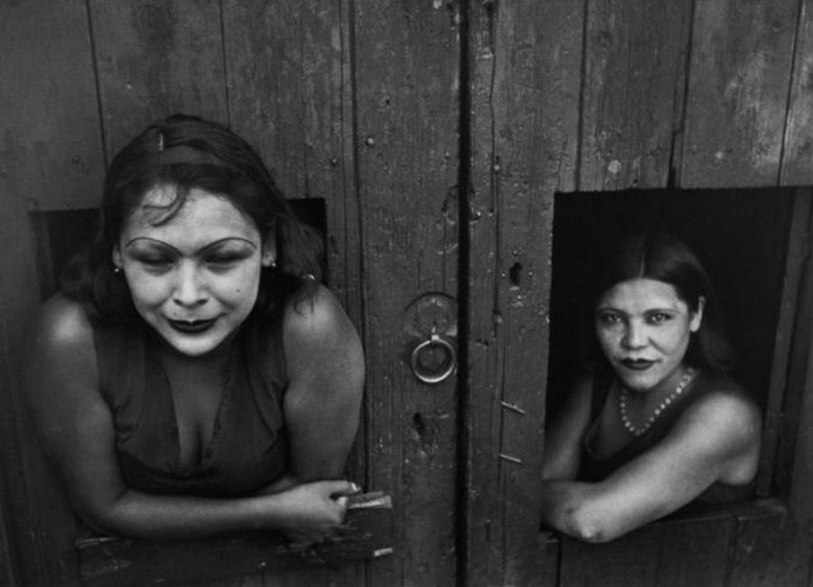 henri-cartier-bresson-prostituteCalle Cuauhtemoctzin, Città del Messico, Messico 1934-eCredits-Henri Cartier-Bresson / Magnum Photos