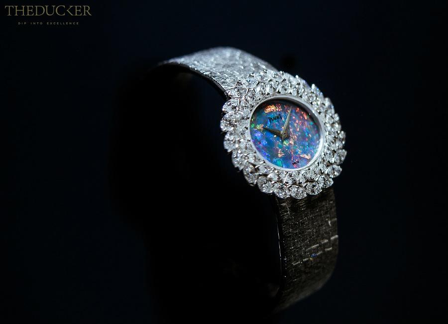 piaget-private-collection-orologio-gioiello-oro-bianco-quadrante-in-opale-44-diamanti-taglio-marquise