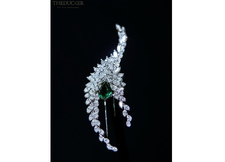 piaget-private-collection-parure-alta-gioielleria-352-diamanti-taglio-marquise-5-smeraldi-dello-zambia-taglio-a-pera_53