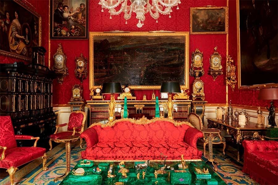 robert-de-balkany-federico-forquet salotto rosso e verde
