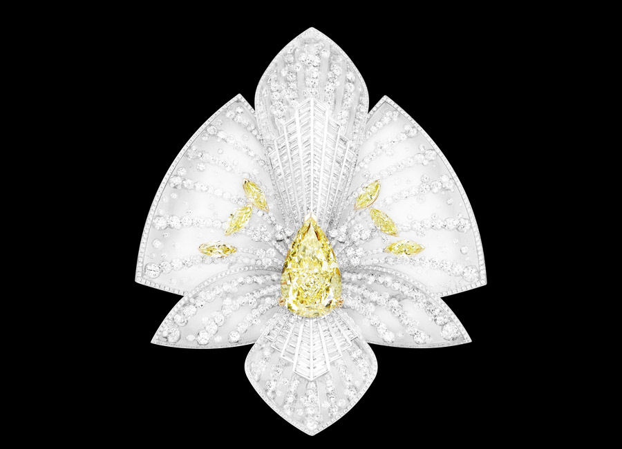 alta-gioielleria-boucheron-lys-radiant-brooch-01