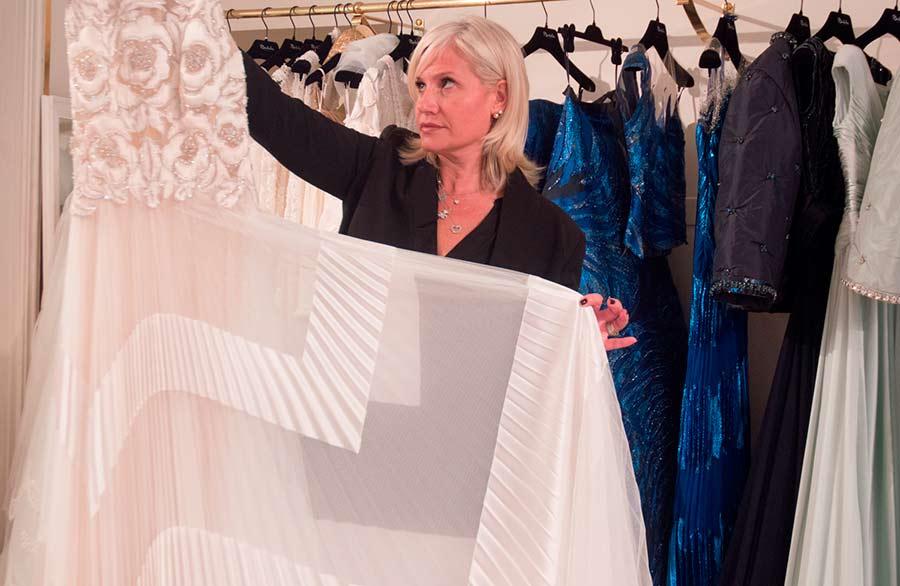 Renato-Balestra-abito-bianco-ultima-collezione-mostrato da Sabrina Baldi