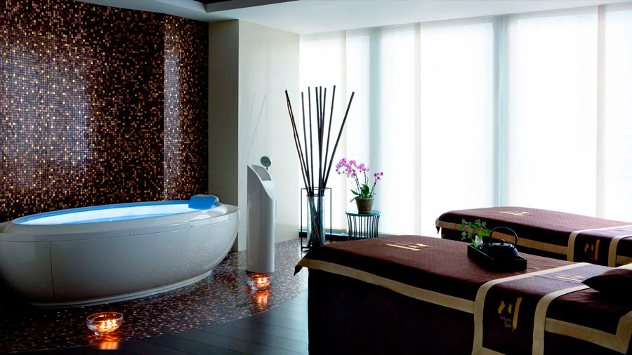 grand-hotel-the-langham-london-chuan-spa-interno-vasca-idro