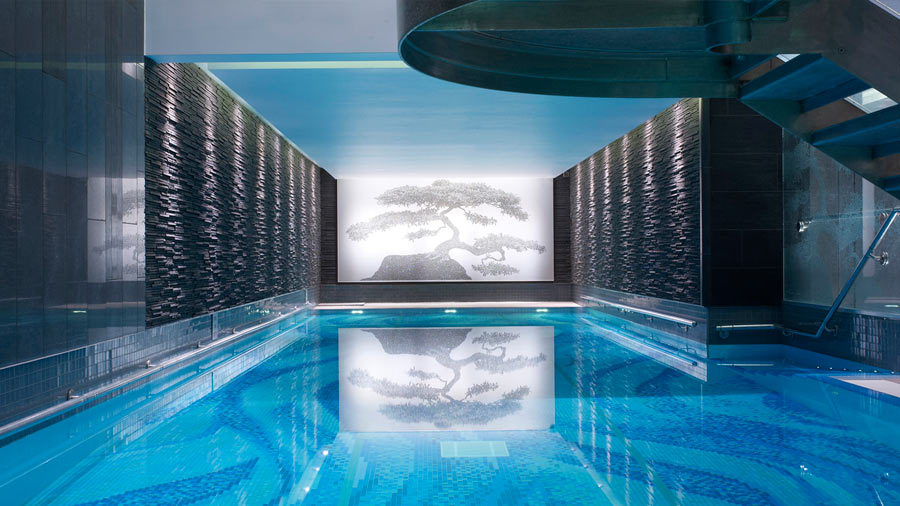 grand-hotel-the-langham-london-chuan-spa-piscina