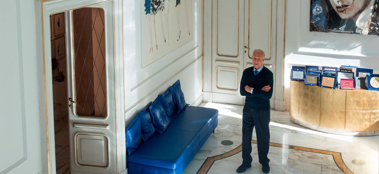 renato-balestra-casa-roma-divano-blu-highlight