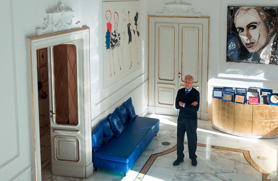 renato-balestra-salotto-divano-blu