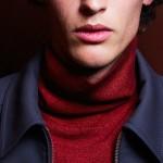 Il maglione dolcevita. Nuovo must di stagione per l'uomo contemporaneo